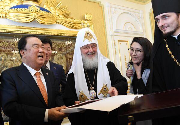 Встреча патриарха Кирилла с главой парламента Южной Кореи Мун Хи Саном