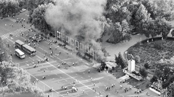 Взрыв в центре Коканда во время беспорядков на межнациональной почве