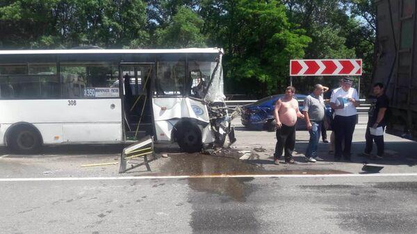 ДТП с автобусом на трассе М-4 Дон в Ростовской области. 2 июня 2019