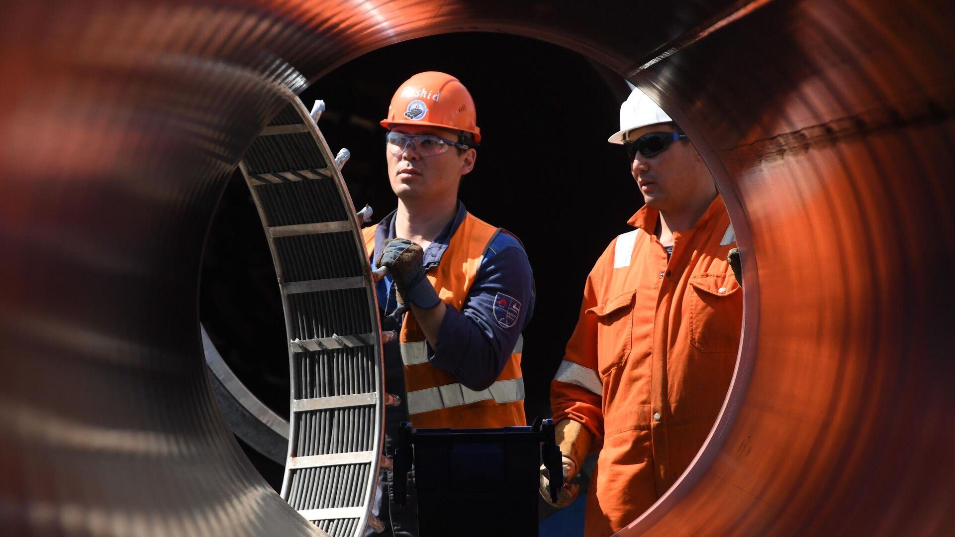 Рабочие на участке строительства газопровода Северный поток — 2 - РИА Новости, 1920, 19.01.2021
