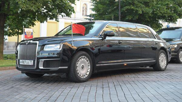 Президент РФ Владимир Путин и председатель Китайской Народной Республики Си Цзиньпин на лимузине Aurus отправились на другие мероприятия в рамках госвизита главы КНР в Россию