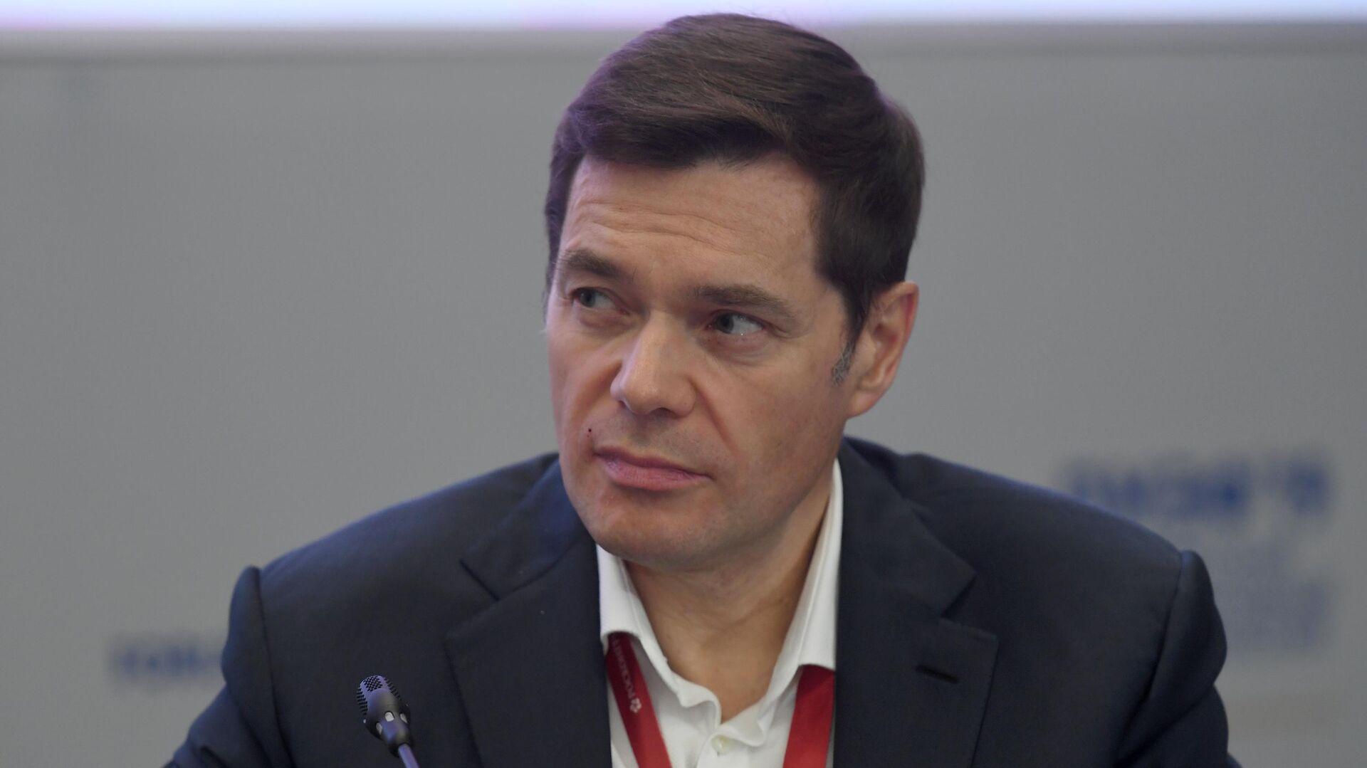 Председатель совета директоров ПАО Северсталь Алексей Мордашов на сессии Российская экономика в поисках стимулов роста в рамках ПМЭФ-2019 - РИА Новости, 1920, 12.01.2021