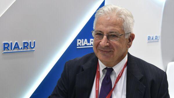 Директор Американской торговой палаты в России Алексис Родзянко