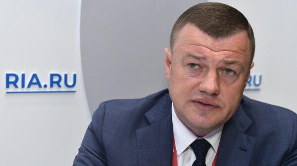 Губернатор Тамбовской области Александр Никитин во время интервью на стенде МИА Россия сегодня на Петербургском международном экономическом форуме-2019