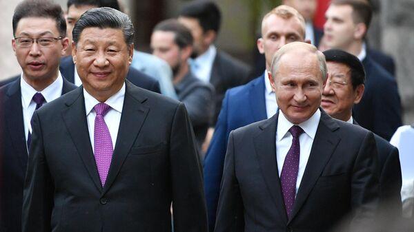 Президент РФ Владимир Путин и председатель Китайской Народной Республики (КНР) Си Цзиньпин