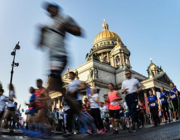 Участники во время забега SPIEF Race в рамках Петербургского международного экономического форума