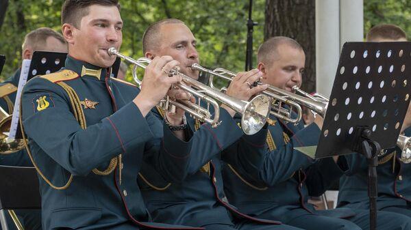 В парке Сокольники прошел концерт Военного оркестра 154-го отдельного комендантского Преображенского полка