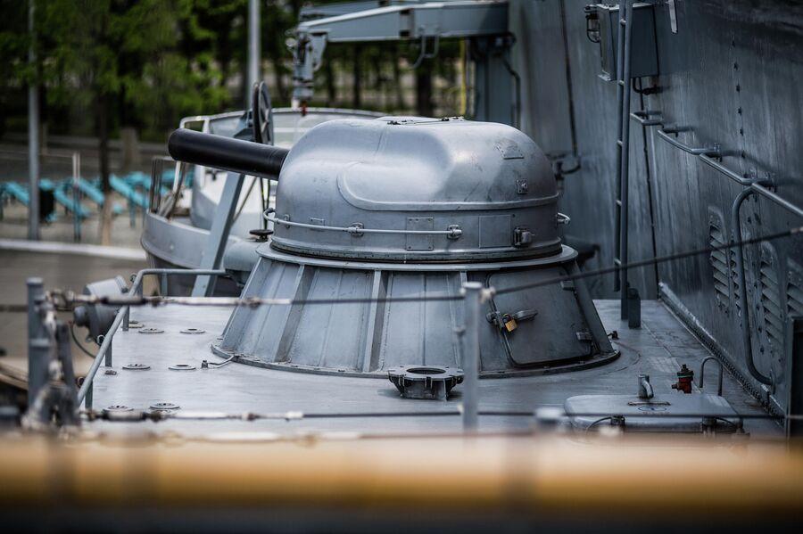 Шестиствольная пушка АК-630М на борту корвета проекта 20380 Совершенный