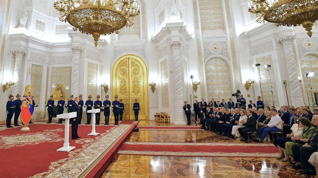 Путин вручает в Кремле госпремии за достижения в сфере культуры и ...