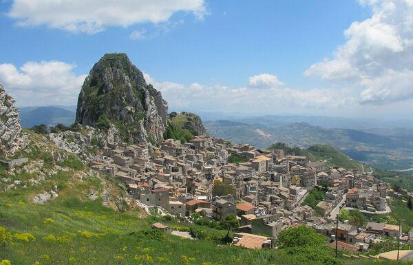 Кальтабелотта, Сицилия