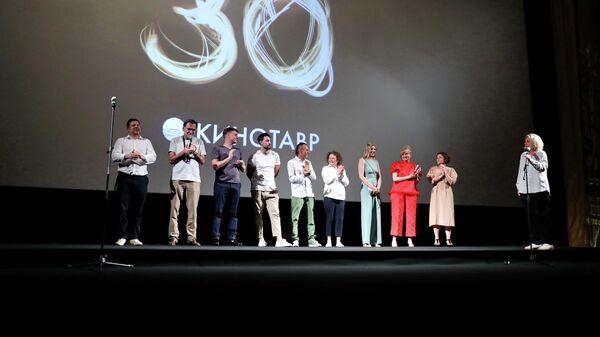 На премьере фильма режиссера Анны Пармас Давай разведемся в рамках 30-го Открытого фестиваля российского кино Кинотавр