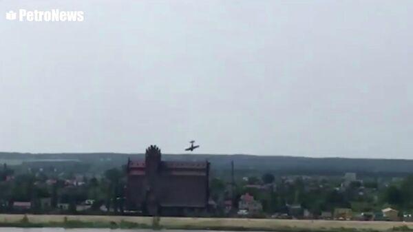 Падение легкомоторного самолета в воду во время авиашоу в  Плоцке, Польша. 15 июня 2019