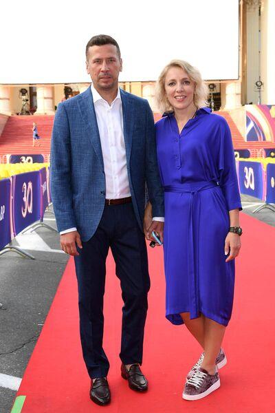 Актер Андрей Мерзликин с супругой Анной на 30-м Открытом фестивале российского кино Кинотавр