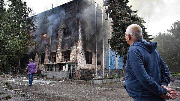 Пожар в складском помещении на площади 750 квадратных метров в поселке Горячеводском в Пятигорске