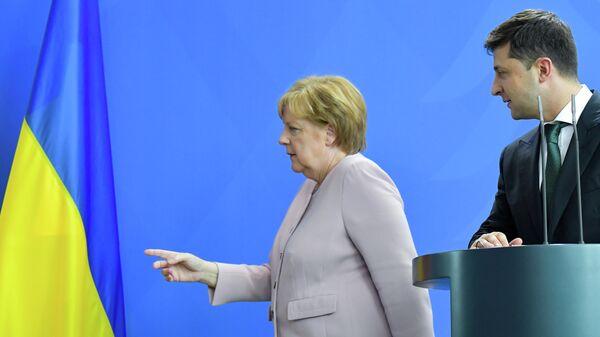 Канцлер Германии Ангела Меркель и президент Украины Владимир Зеленский на пресс-конференции в Берлине