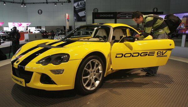 Chrysler LLC's Dodge EV на международном автосалоне в Лос-Анджелесе