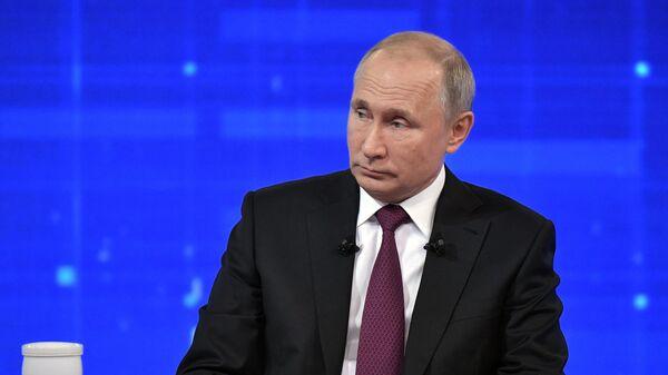 Путин потребовал немедленно исправить ситуацию с ценами на авиакеросин