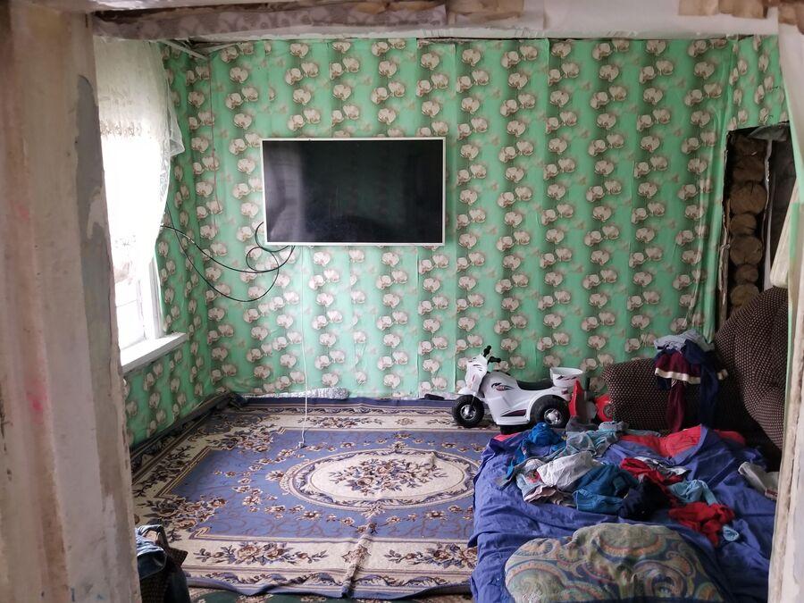 Убегая, цыгане оставили в домах даже телевизоры