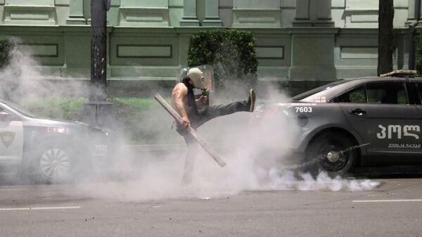 В Кремле происходящее в Тбилиси назвали русофобской провокацией