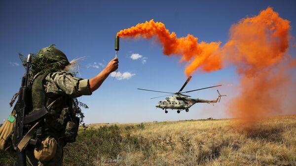 Военнослужащий во время ротно-тактических учений