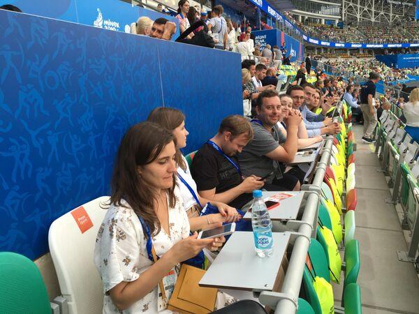 Журналисты Союзного государства– участники экспертно-медийного тура на стадионе Динамо перед церемонией торжественного открытия II Европейских игр