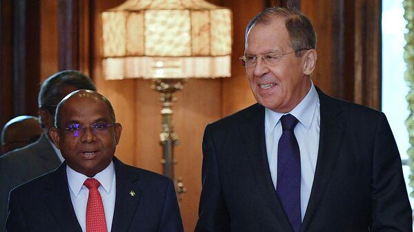 Министр иностранных дел РФ Сергей Лавров и министр иностранных дел Мальдивской Республики Абдулла Шахид во время встречи в Москве. 25 июня 2019