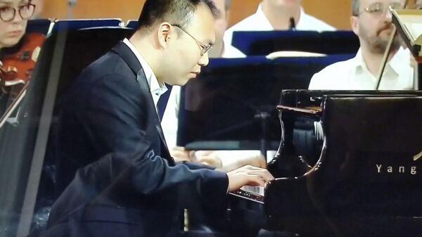 Китайский пианист Янь Тянсю в финале Международного музыкального конкурса имени Чайковского