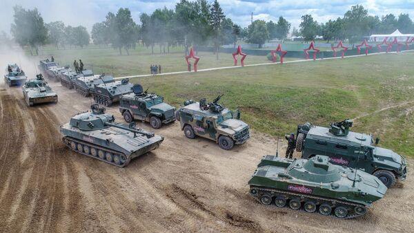 На полигоне Алабино перед динамическим показом вооружений, военной и специальной техники (ВВСТ) в рамках  Международного военно-технического форума Армия-2019 на полигоне Алабино