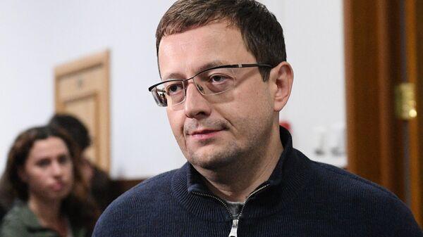 Экс-директор департамента развития бизнеса автодилера Рольф Анатолий Кайро в Басманном суде. 28 июня 2019