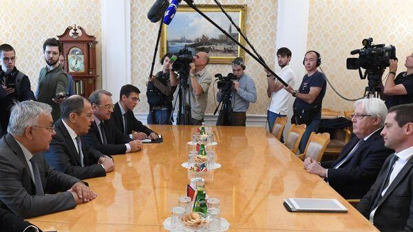Министр иностранных дел РФ Сергей Лавров и спецпредставитель генсека ООН по Йемену Мартин Гриффитс во время встречи в Москве. 1 июля 2019
