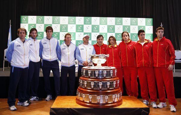 Сборные Аргентины и Испании по теннису на фоне Кубка Дэвиса в преддверии финала