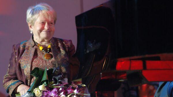 Презентация Московского открытого кинофестиваля Музыкальные истории в киноклубе Эльдар