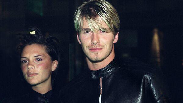 Дэвид и Виктория Бекхэм на приеме Versace. 1999 год