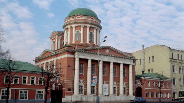 Здание церкви Иоанна Богослова, в котором был размещен Музей истории и реконструкции Москвы