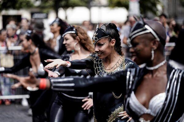 Тропический карнавал в Париже