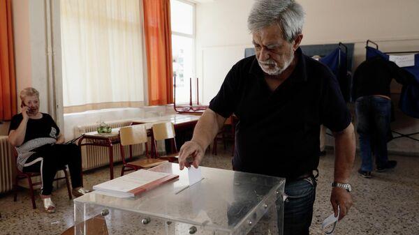 СИРИ-ЗА и ПРОТИВ. Греция сходила налево и вернулась в семью