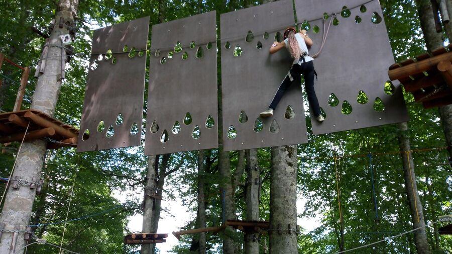 В веревочном парке Йети Джунгли