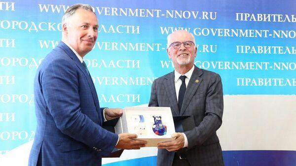 Президент ОКР Станислав Поздняков и генеральный секретарь ТАФИСА Вольфганг Бауман