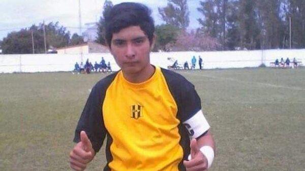 17-летний аргентинский голкипер скончался, отразив пенальти грудью