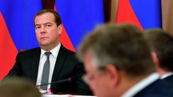 Дмитрий Медведев проводит совещание в Ставрополе по вопросу обеспечения своевременного и качественного строительства объектов в рамках национальных проектов. 12 июля 2019