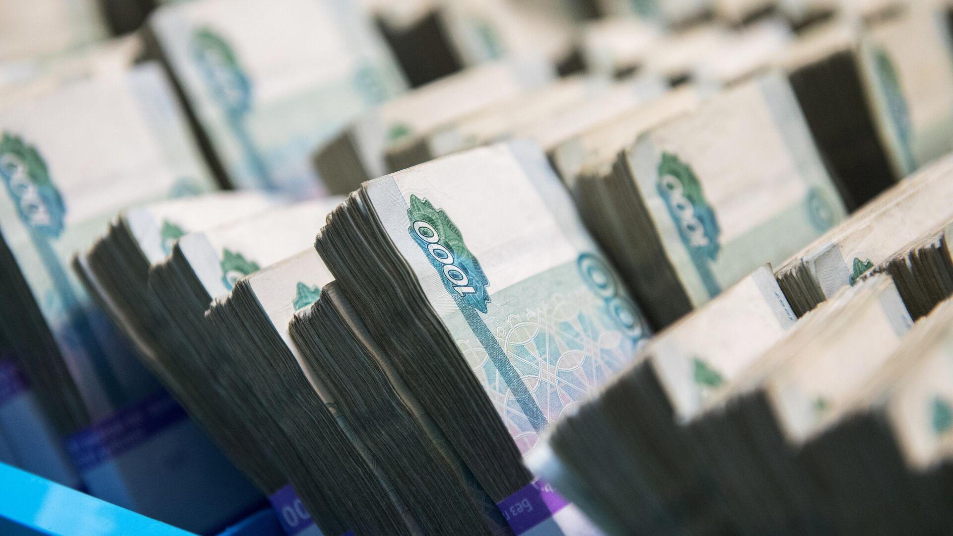 """Совладелец """"Лукойла"""" рассказал, куда вложить миллион рублей"""