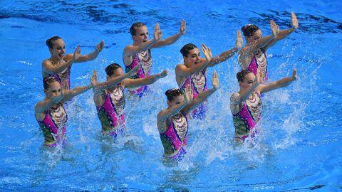 Сборная России по синхронному плаванию с технической программой на чемпионате мира по водным видам спорта Кванджу