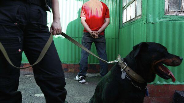 Задержание торговцев наркотиками сотрудниками наркополиции