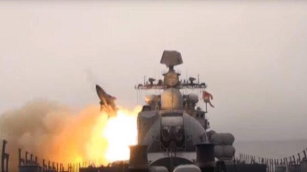 Пуск крылатых ракет Москит кораблями ТОФ