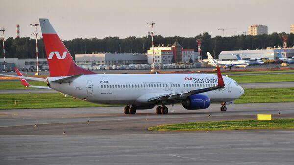 Самолет Boeing 737-800 авиакомпании Nordwind в аэропорту Шереметьево