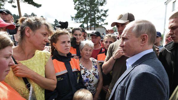 Владимир Путин встретился с волонтерами в Тулуне