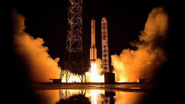 Запуск спутник связи