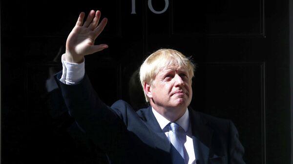 Новый премьер-министр Великобритании Борис Джонсон в резиденции на Даунинг-стрит в Лондоне. 24 июля 2019