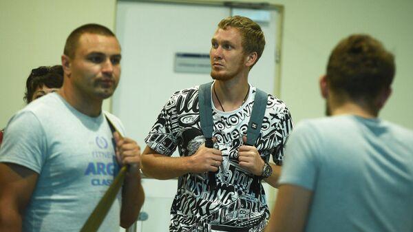 Моряки с задержанного на Украине танкера прилетели в Москву