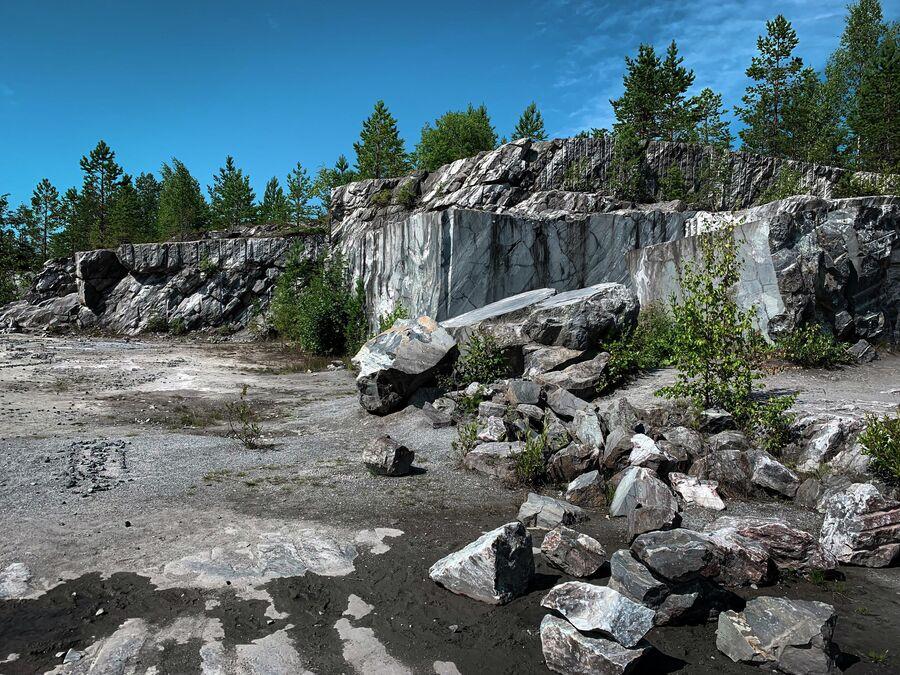 Карелия. Горный парк Рускеала. Итальянский карьер.